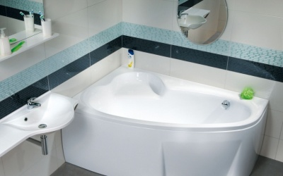 Asymetrické vany: Dokonalá kombinace moderního stylu a praktického využití