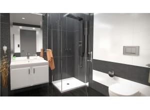 ALFA ROCKY 80 x 70 cm Clear Well Luxusní sprchová zástěna s mramorovou vaničkou